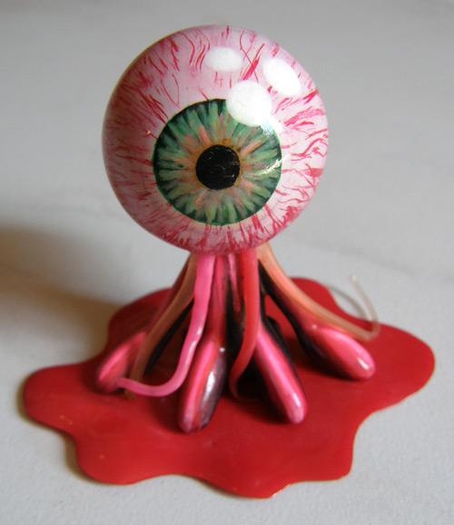 """Eye See U"" Stifles Custom-kun"